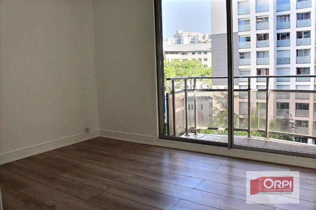 Appartement à vendre 4 78m2 à Paris 19 vignette-6