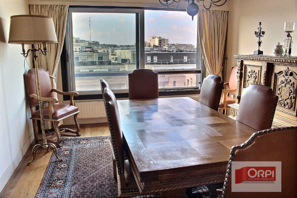 Appartement à vendre 5 112m2 à Paris 19 vignette-2