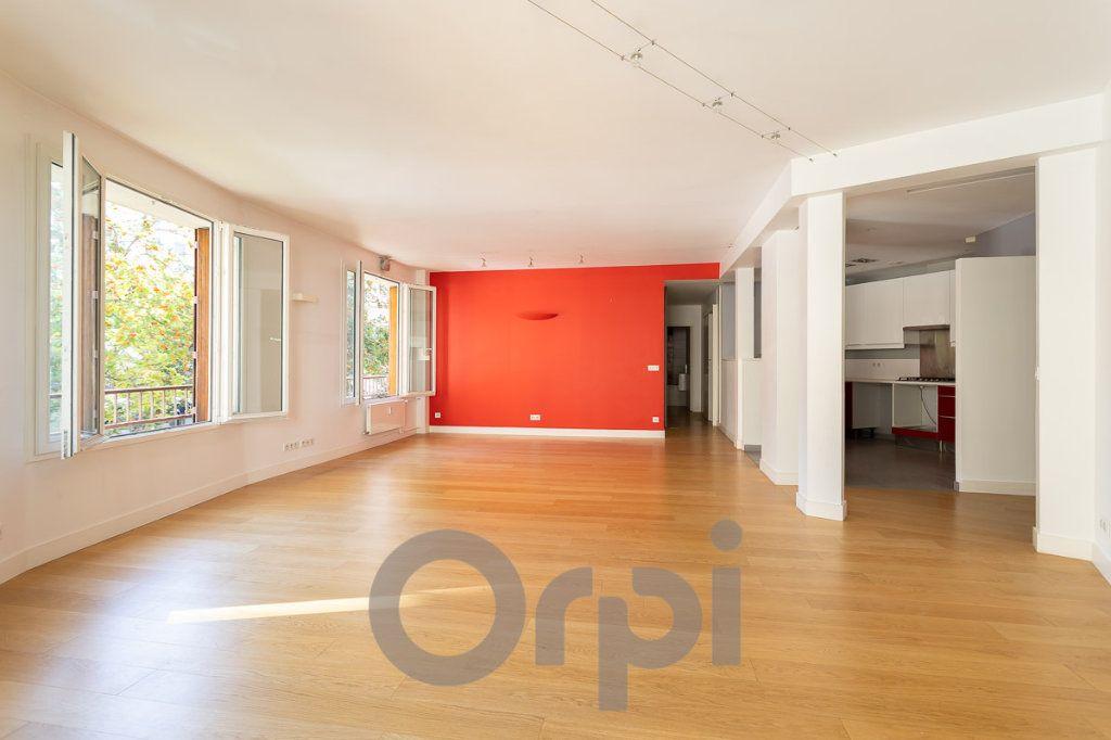 Appartement à vendre 5 117.09m2 à Paris 19 vignette-2