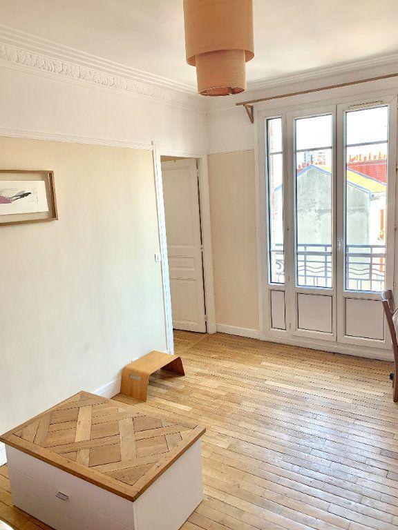 Appartement à louer 2 42.41m2 à Paris 20 vignette-1