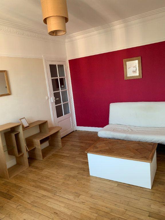 Appartement à louer 2 42.41m2 à Paris 20 vignette-2