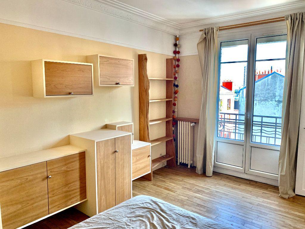 Appartement à louer 2 42.41m2 à Paris 20 vignette-3