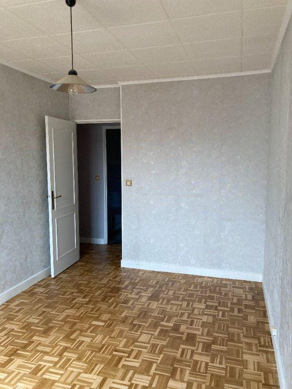 Appartement à louer 3 68m2 à Paris 20 vignette-8