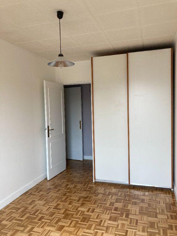 Appartement à louer 3 68m2 à Paris 20 vignette-9