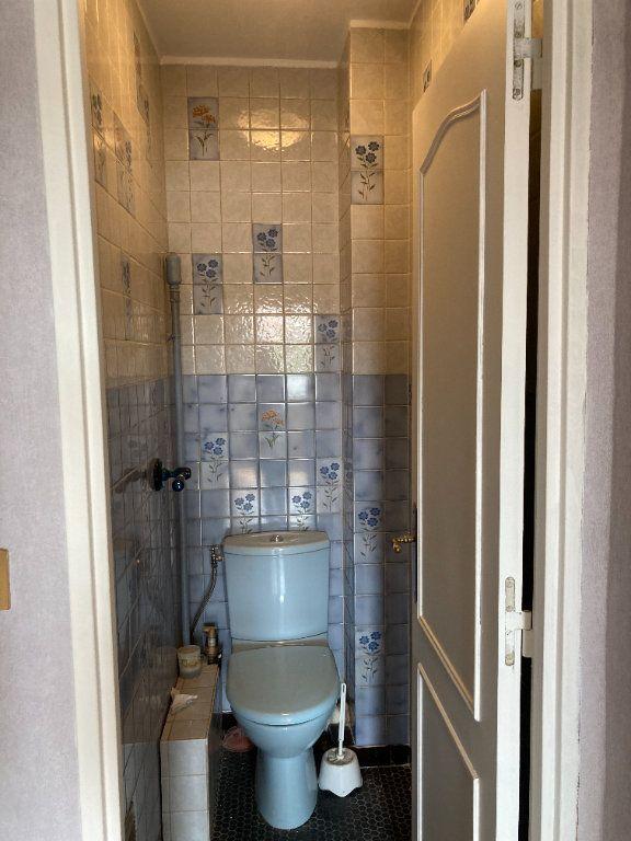 Appartement à louer 3 68m2 à Paris 20 vignette-13