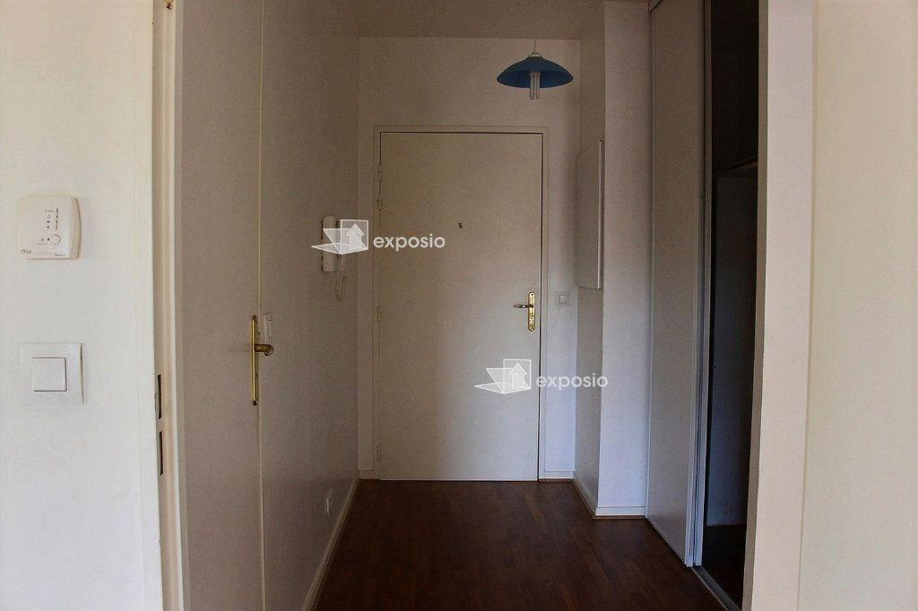 Appartement à louer 2 57m2 à Paris 19 vignette-6