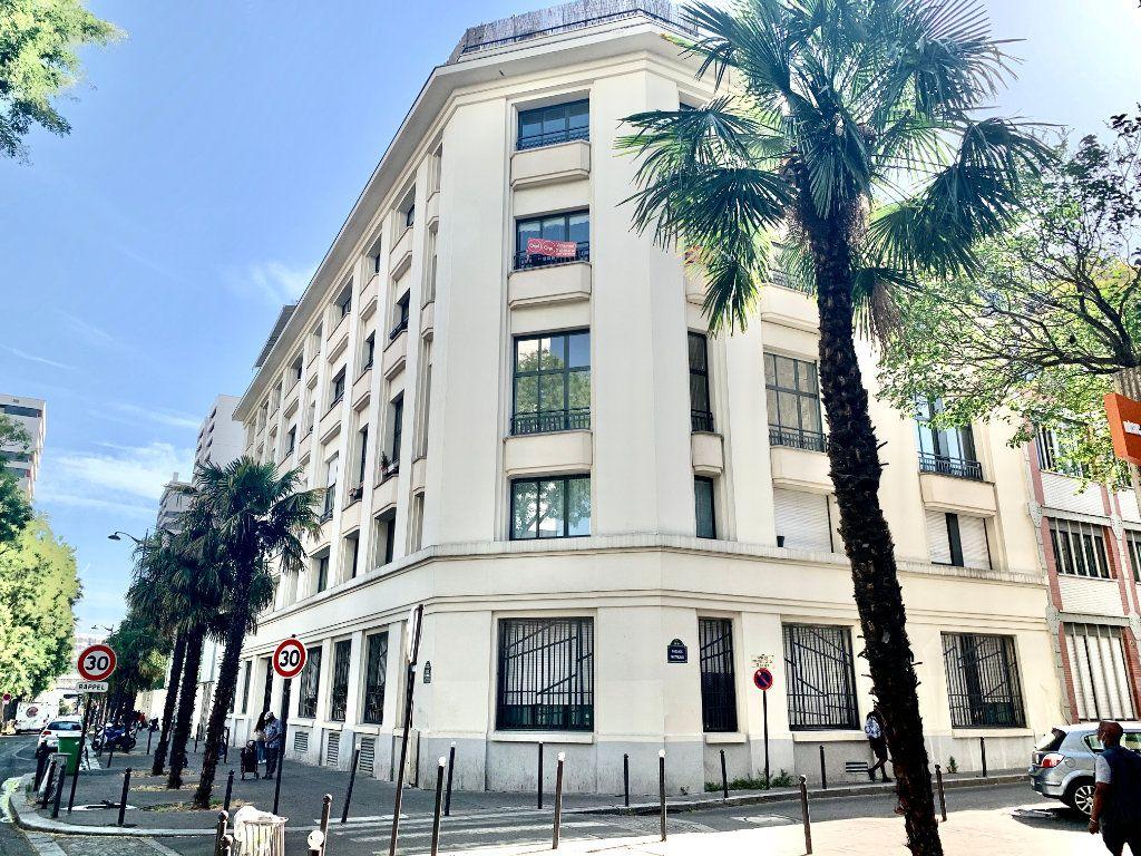 Appartement à louer 2 57m2 à Paris 19 vignette-7