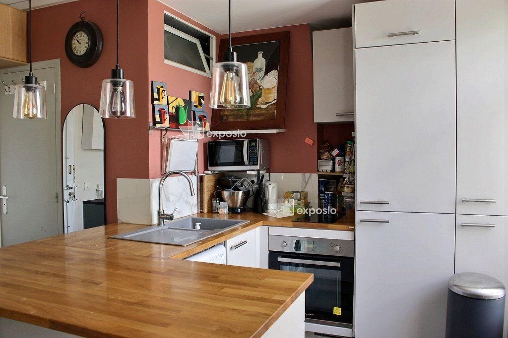 Appartement à louer 2 57.05m2 à Pantin vignette-4