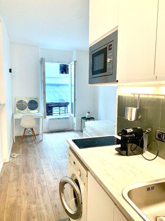 Appartement à louer 1 17.34m2 à Paris 20 vignette-1