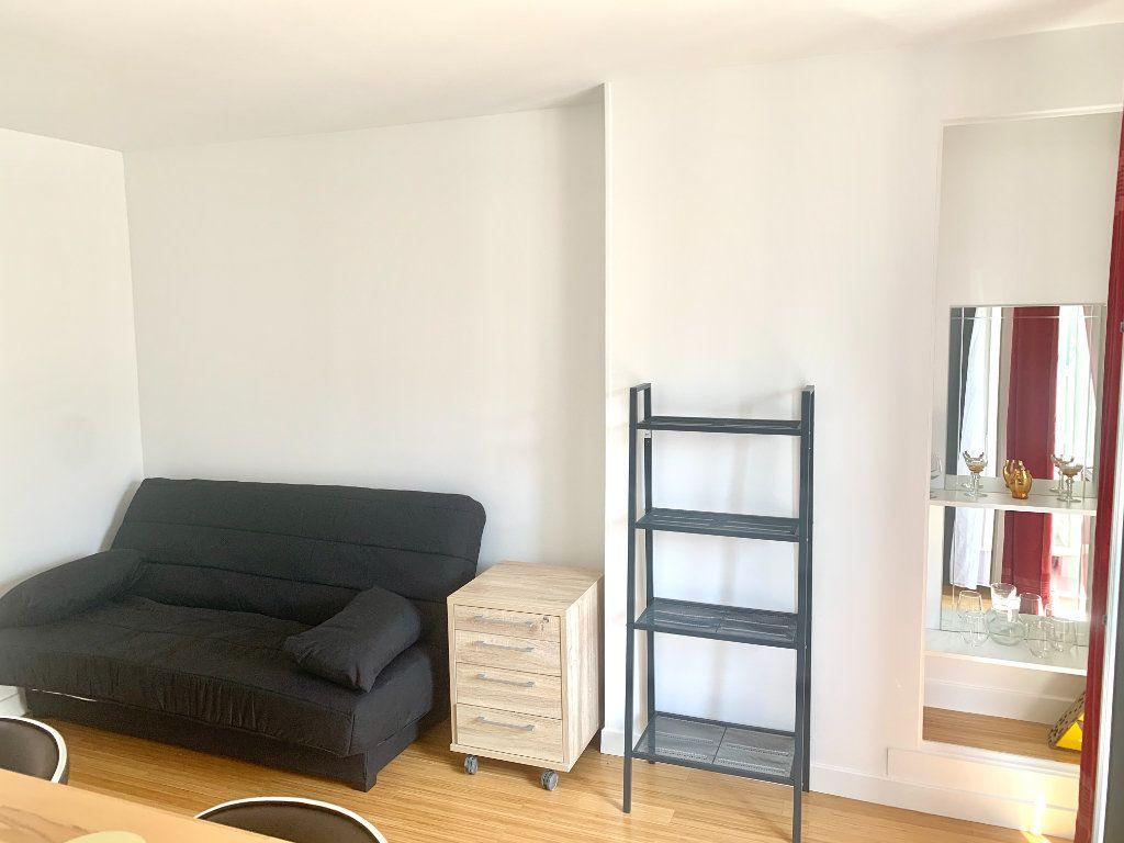 Appartement à louer 1 20.8m2 à Paris 19 vignette-2