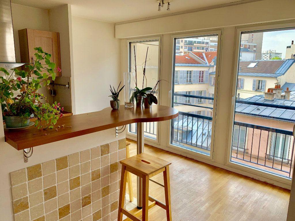 Appartement à louer 3 73m2 à Paris 20 vignette-3