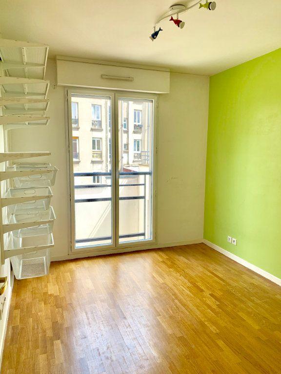 Appartement à louer 3 73m2 à Paris 20 vignette-5