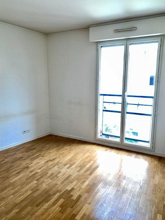 Appartement à louer 3 73m2 à Paris 20 vignette-6