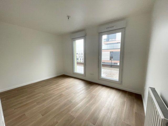 Appartement à louer 3 62m2 à Noisy-le-Sec vignette-2