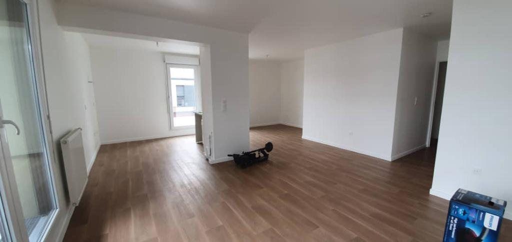 Appartement à louer 3 62m2 à Noisy-le-Sec vignette-6