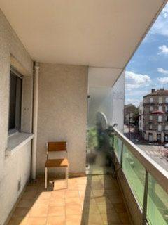 Appartement à louer 3 60m2 à Bondy vignette-3