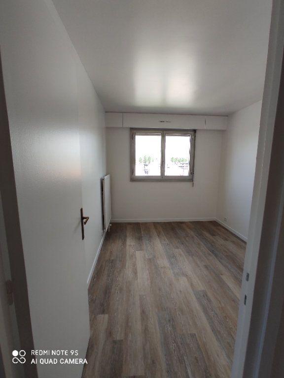 Appartement à louer 3 60m2 à Bondy vignette-8
