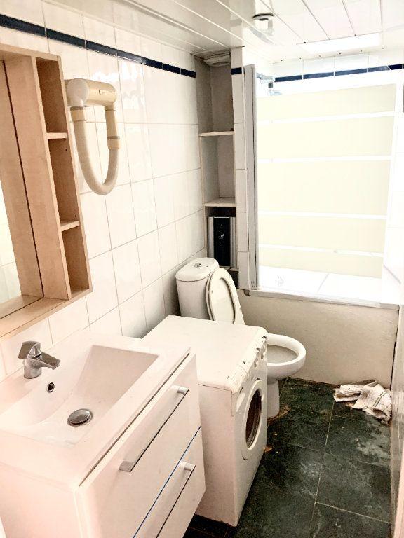 Appartement à louer 2 25.9m2 à Paris 6 vignette-6
