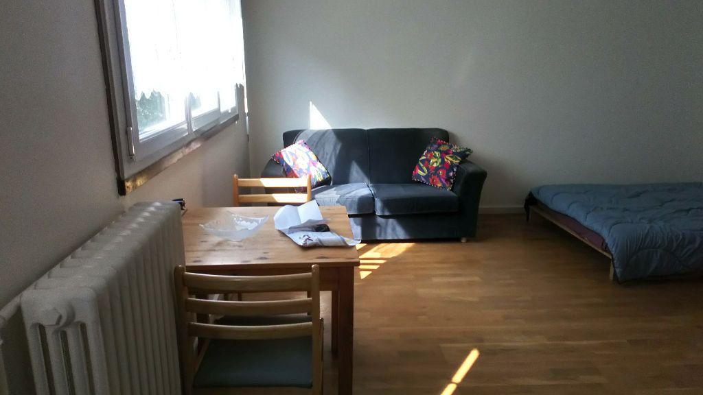 Appartement à louer 1 26.44m2 à Paris 19 vignette-2