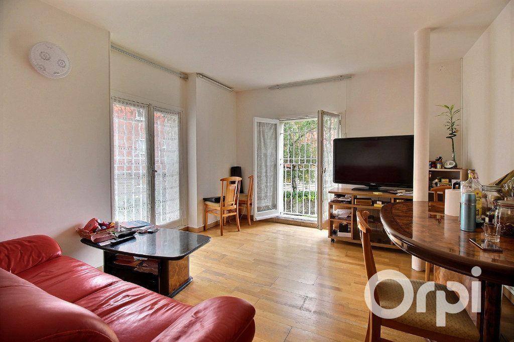 Appartement à vendre 4 71.81m2 à Romainville vignette-1