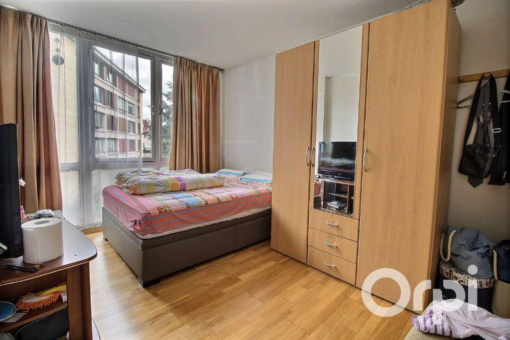 Appartement à vendre 4 71.81m2 à Romainville vignette-2