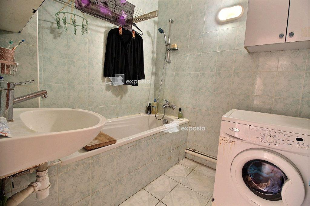 Appartement à vendre 4 71.81m2 à Romainville vignette-5
