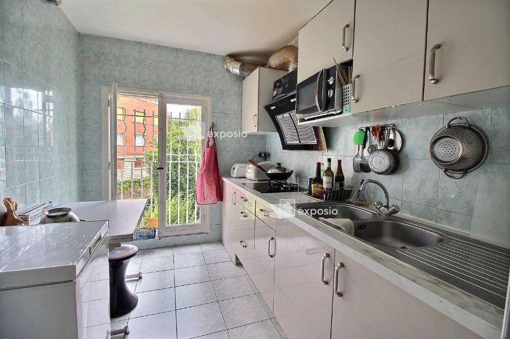 Appartement à vendre 4 71.81m2 à Romainville vignette-6
