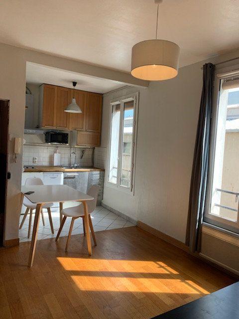 Appartement à louer 2 32m2 à Paris 19 vignette-2