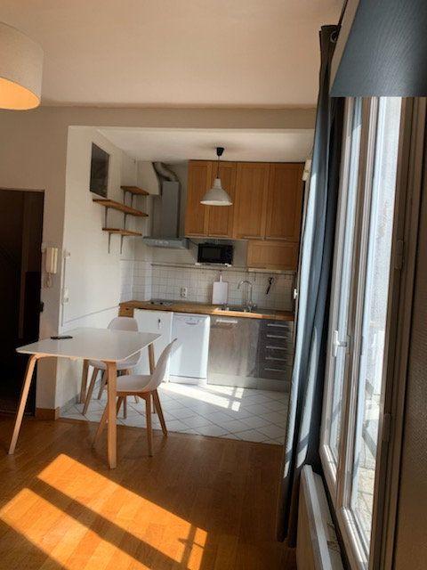 Appartement à louer 2 32m2 à Paris 19 vignette-3