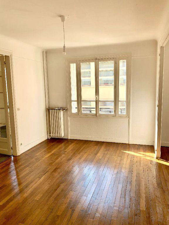 Appartement à louer 3 89.05m2 à Paris 19 vignette-4