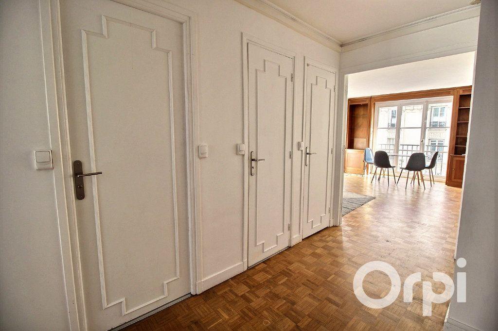 Appartement à louer 3 65.72m2 à Paris 19 vignette-7