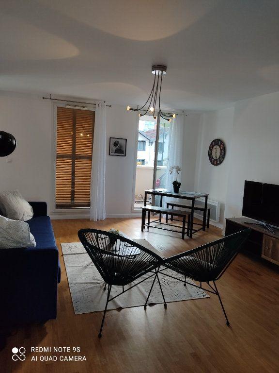 Appartement à louer 3 66m2 à Aubervilliers vignette-2