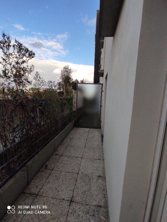 Appartement à louer 3 66m2 à Aubervilliers vignette-3