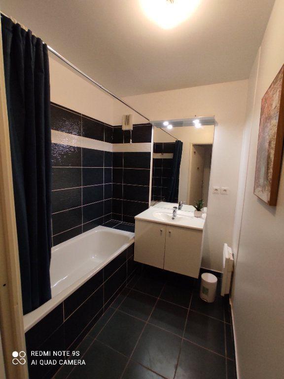 Appartement à louer 3 66m2 à Aubervilliers vignette-9
