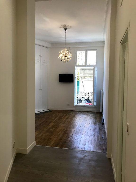Appartement à louer 1 33m2 à Paris 19 vignette-1
