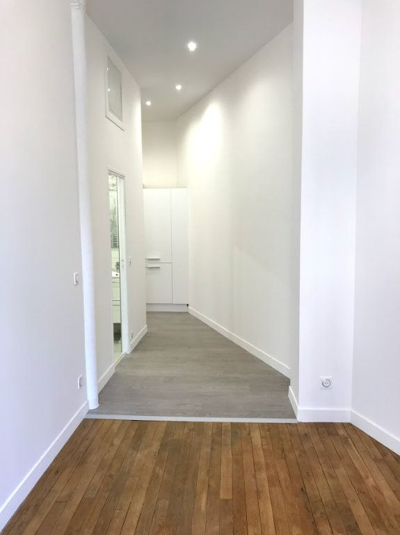 Appartement à louer 1 33m2 à Paris 19 vignette-3