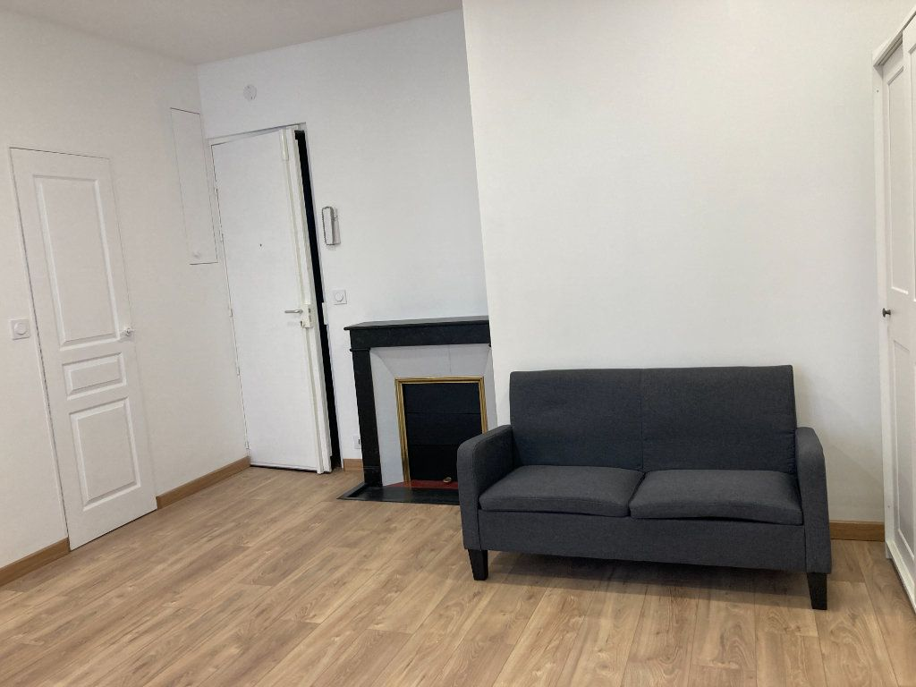 Appartement à louer 1 21m2 à Paris 19 vignette-3