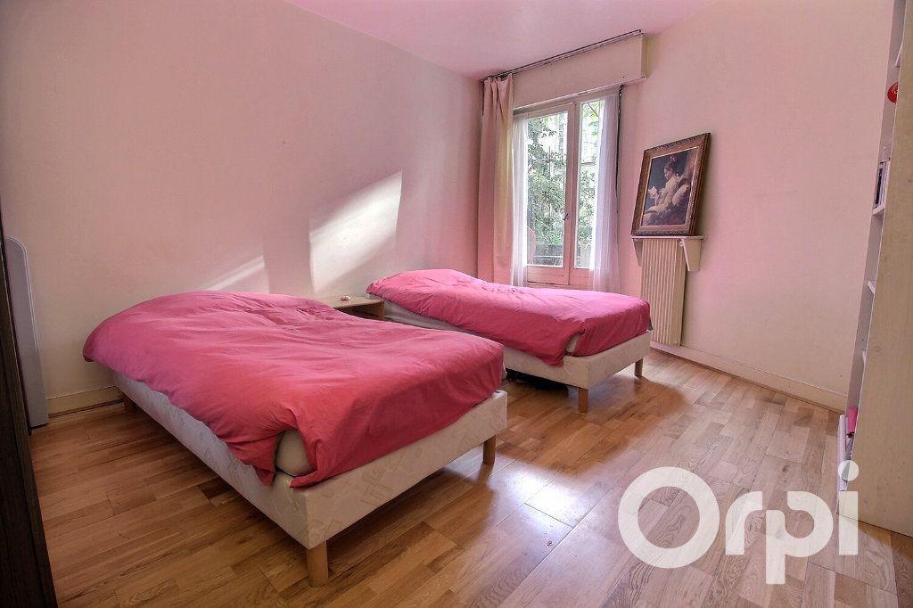 Appartement à vendre 3 72m2 à Paris 19 vignette-5