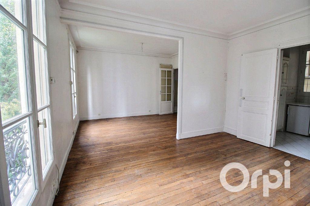 Appartement à vendre 3 53m2 à Paris 19 vignette-1