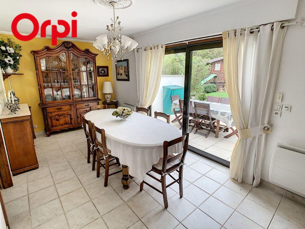 Maison à vendre 8 181.7m2 à Hardricourt vignette-5
