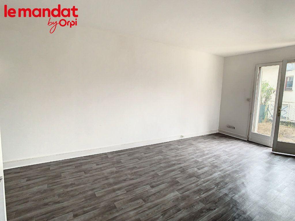 Appartement à louer 1 24m2 à Meulan-en-Yvelines vignette-4