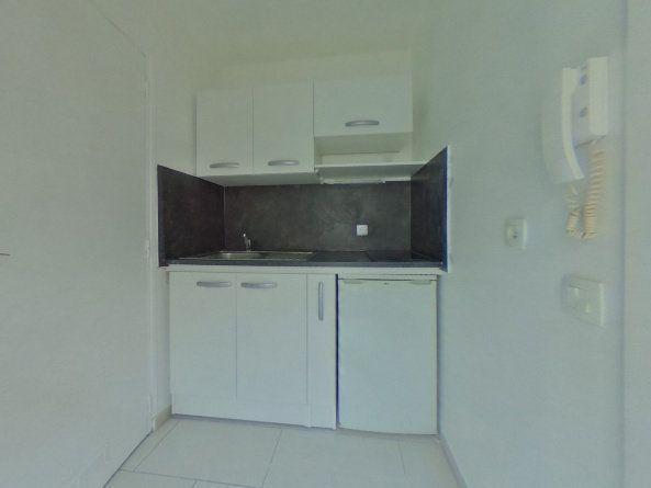 Appartement à louer 1 15m2 à Meulan-en-Yvelines vignette-1