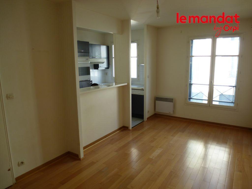 Appartement à louer 2 35m2 à Carrières-sous-Poissy vignette-2