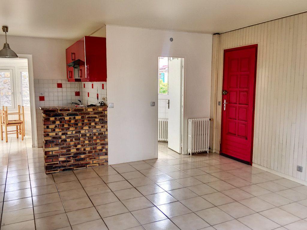 Appartement à vendre 1 34m2 à Verneuil-sur-Seine vignette-3
