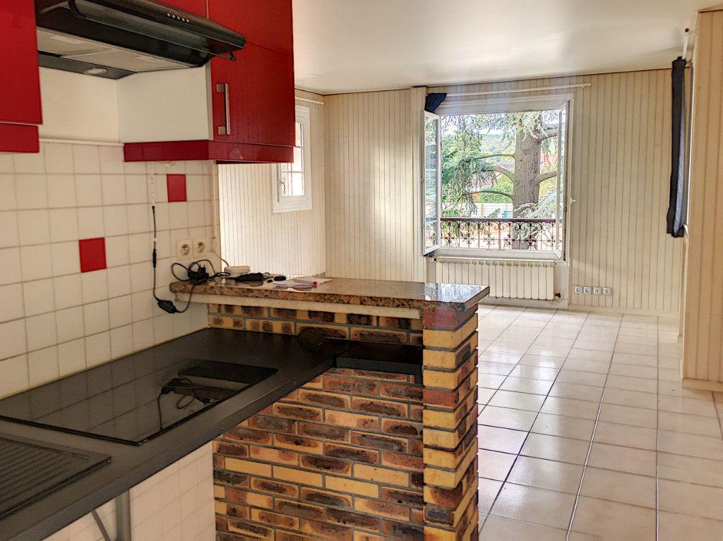 Appartement à vendre 1 34m2 à Verneuil-sur-Seine vignette-6