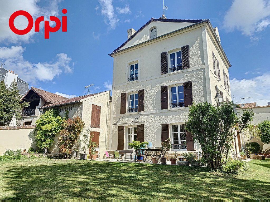 Maison à vendre 8 186m2 à Mézy-sur-Seine vignette-1