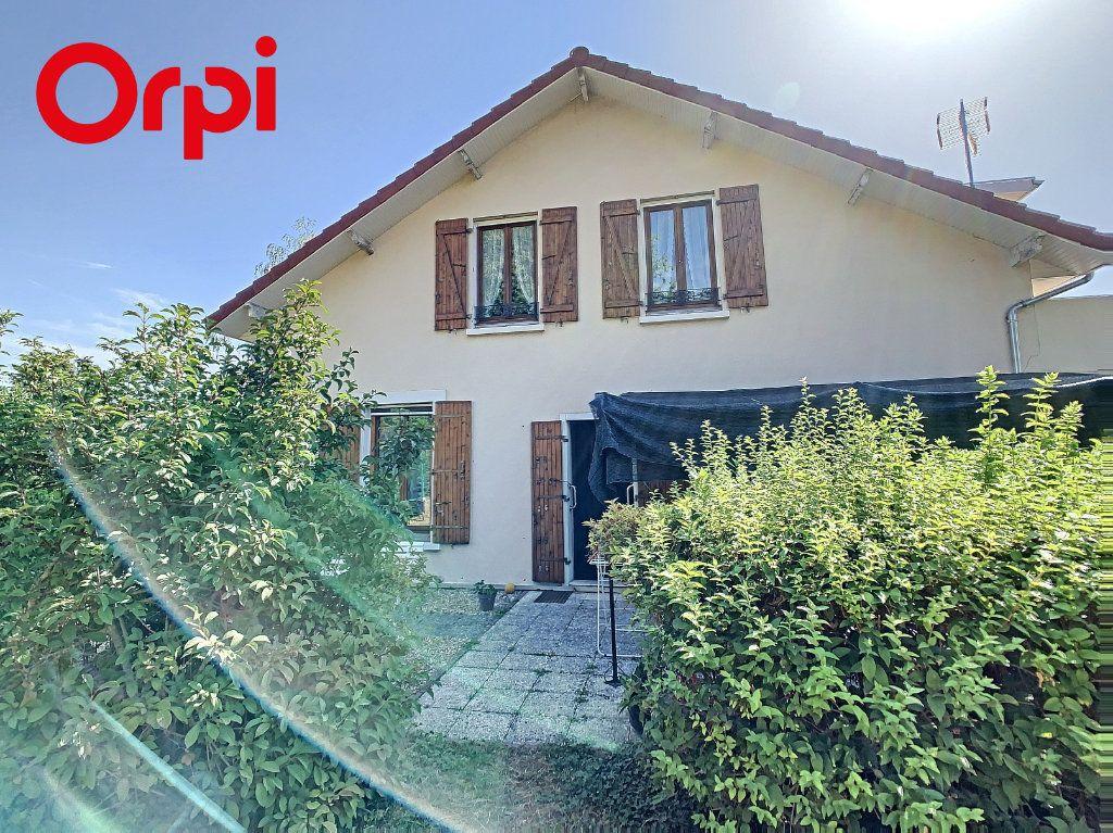 Maison à vendre 8 192m2 à Hardricourt vignette-1