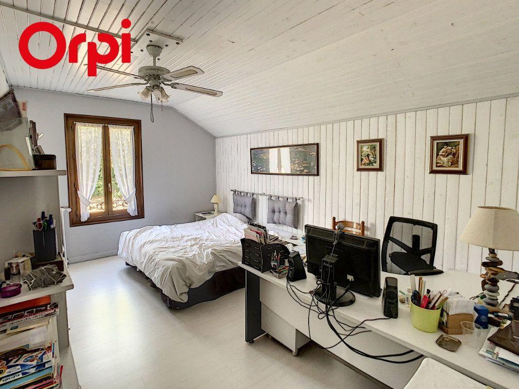 Maison à vendre 8 192m2 à Hardricourt vignette-8
