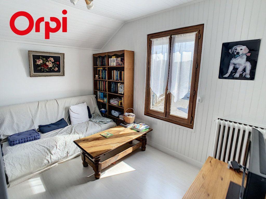 Maison à vendre 8 192m2 à Hardricourt vignette-10