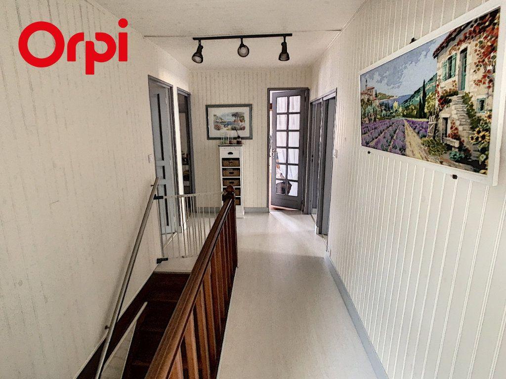 Maison à vendre 8 192m2 à Hardricourt vignette-12